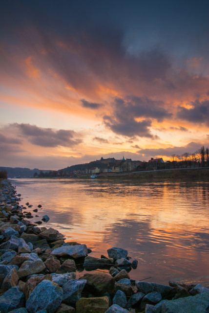Sonnenaufgang an der Elbe in Pirna