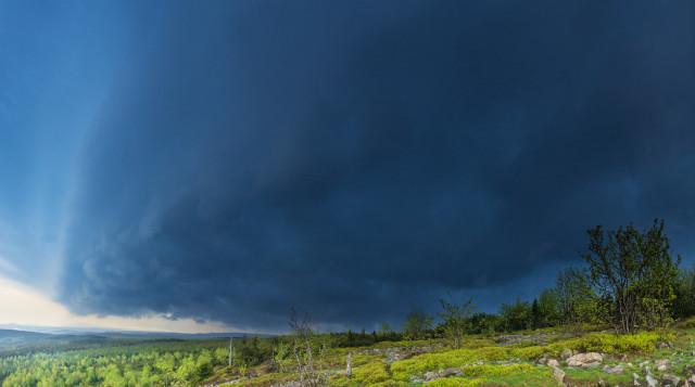 Gewitterwolke über dem Kahleberg