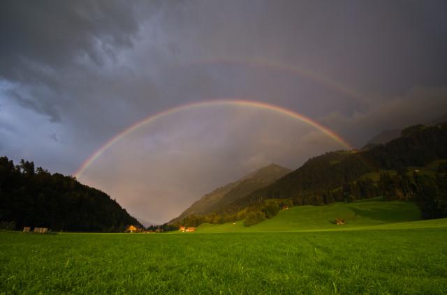 Regenbogen über Zünegg