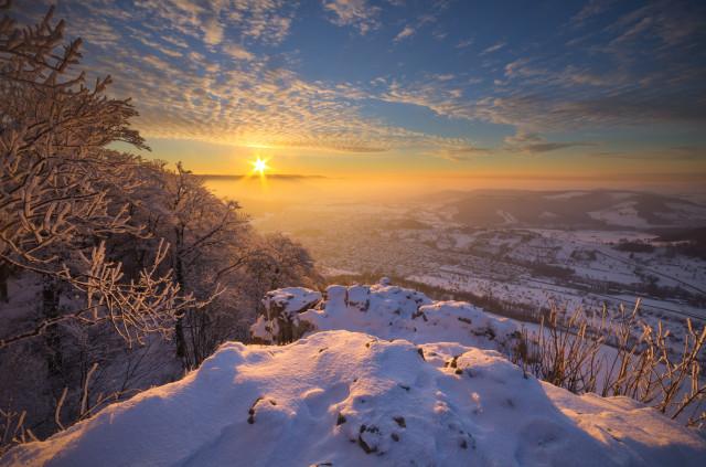 Winterabend auf dem Messelstein bei Donzdorf