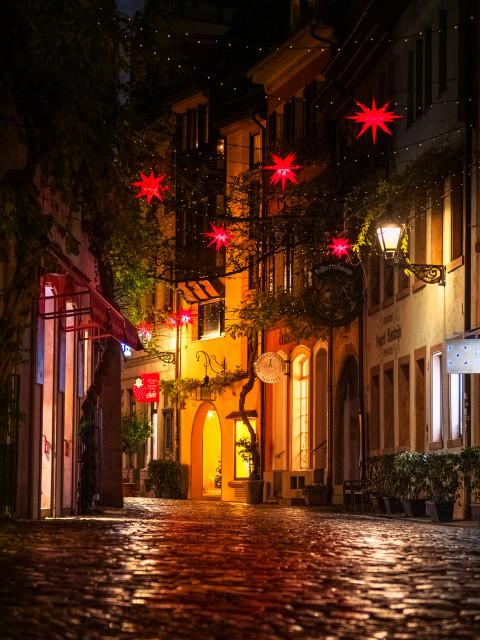 Freiburg, Konviktstraße zur Weihnachtszeit