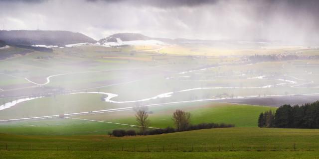Donaublick vom Wartenberg mit Schneeschauer